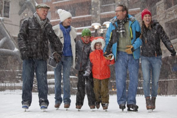 family-skate-winter activites telluride